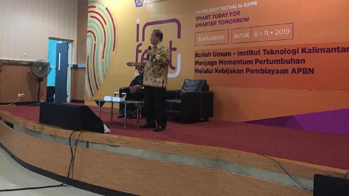 Edukasi Pembiayaan APBN dan Pembangunan Infrastruktur Kepada Civitas Akademika Institut Teknologi Kalimantan Melalui Kuliah Umum Balikpapan -