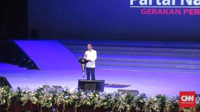 Jokowi Rangkul Erat Surya Paloh Obati Cemburu ke Sohibul Iman