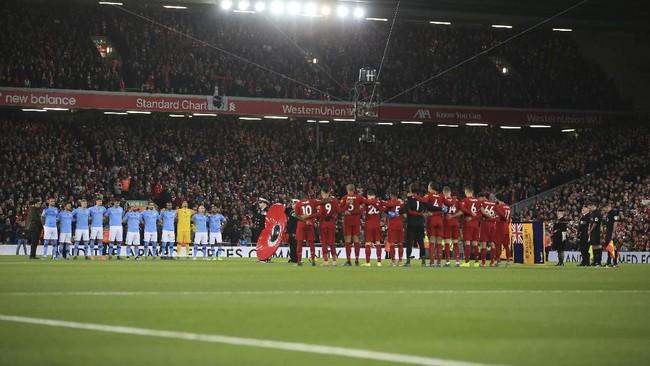 Liverpool menjamu Manchester City dalam laga Liga Inggris di Anfield, Minggu (10/11).(AP Photo/Jon Super)