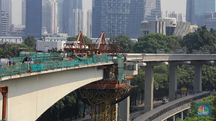 Menhub menjanjikan 1,5 tahun untuk menyelesaikan proyek LRT.