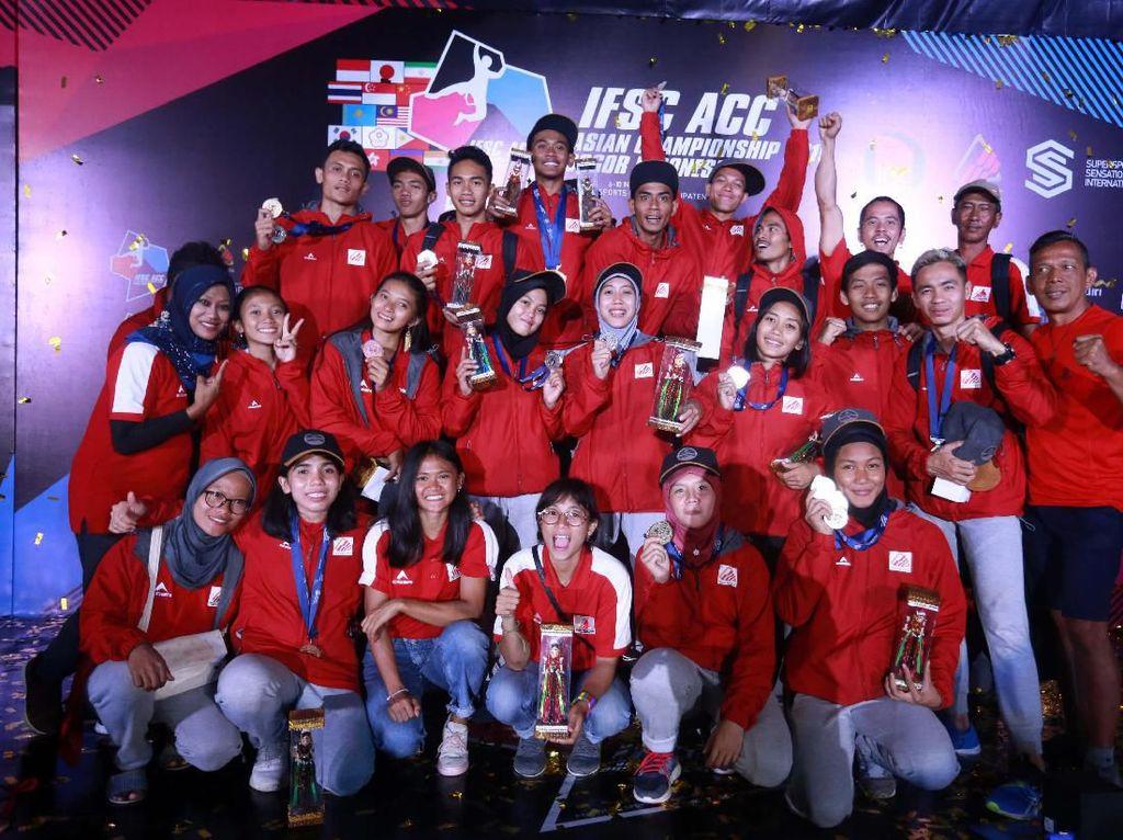 Indonesia berhasil menjaga dominasi di nomor speed world record pada kejuaraan panjat tebing Asian Championship 2019 di Stadion Pakansari Bogor, Sabtu (9/11/2019). Indonesia merebut 5 medali yang terdiri dari 3 emas, 1 perak, 1 perunggu dari 6 medali yang diperebutkan. (dok. humas PFTI)