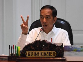 Jokowi Pangkas Jabatan PNS Eselon IV Dulu Baru III
