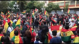 VIDEO: Masyarakat Bolivia Rayakan Kemunduran Evo Morales
