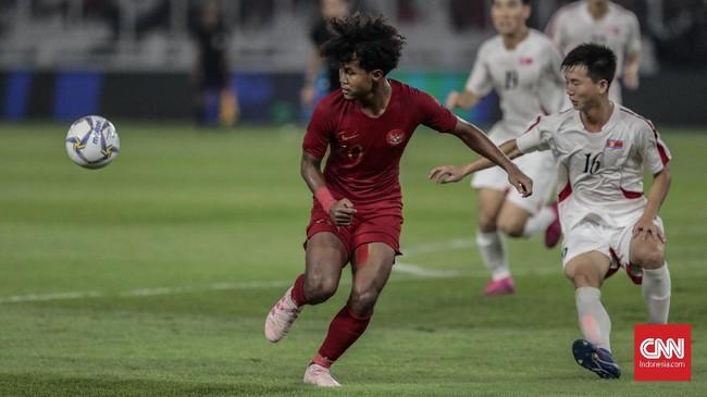 Timnas Indonesia U-19 menjamu Korea Utara U-19 pada laga terakhir babak kualifikasi Grup K Piala Asia U-19 2020 di Stadion Utama Gelora Bung Karno, Minggu (10/11). (CNN Indonesia/Bisma Septalisma)