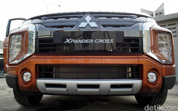 Lebih Dekat Lihat Xpander Cross