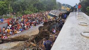 Kecelakaan Kereta di Bangladesh, 16 Tewas dan 100 Luka-luka