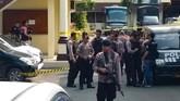 Ledakan terjadi di area kantin dan dekat pengurusan SKCK. Saat ini banyak warga Medan sedang mengurus SKCK yang merupakan persyaratan pendaftaran seleksi CPNS 2019. (ATAR / AFP)