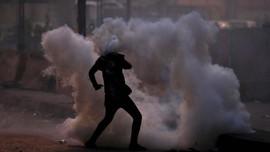 Massa Hari Anti Kekerasan Perempuan Ditembaki Gas Air Mata