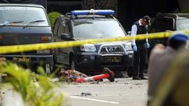 Jasad Pelaku Bom Bunuh Diri Polrestabes Medan Dievakuasi