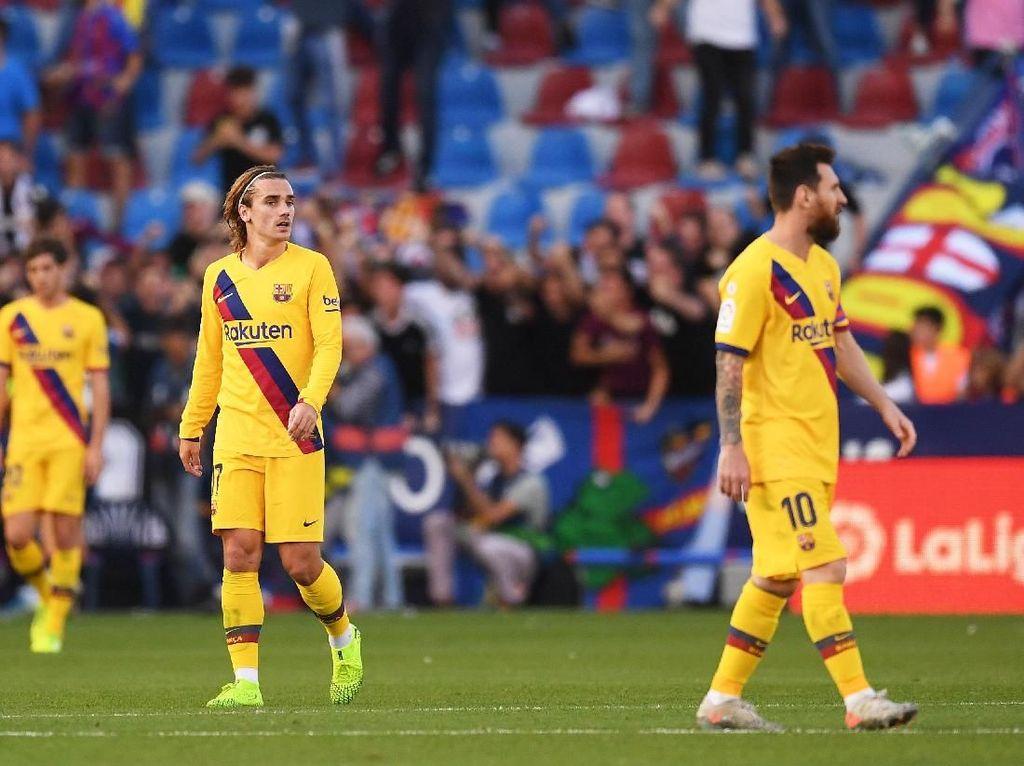 Messi dan Griezmann banyak digosipkan tidak akur. Sebagai partner di lini depan, mereka kabarnya sangat jarang bicara. (Alex Caparros/Getty Images)