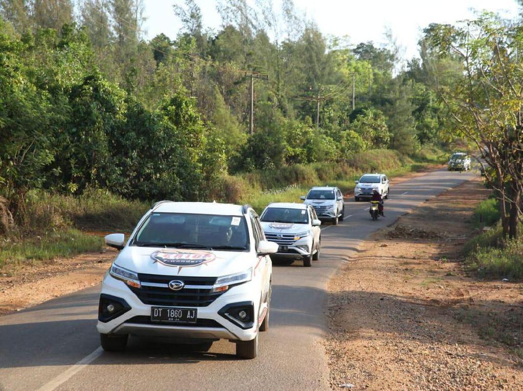 Totalnya, ada 9 unit Daihatsu Terios yang siap berpetualang di alam bebas Kolaka, Sulawesi Tenggara.Foto: Daihatsu