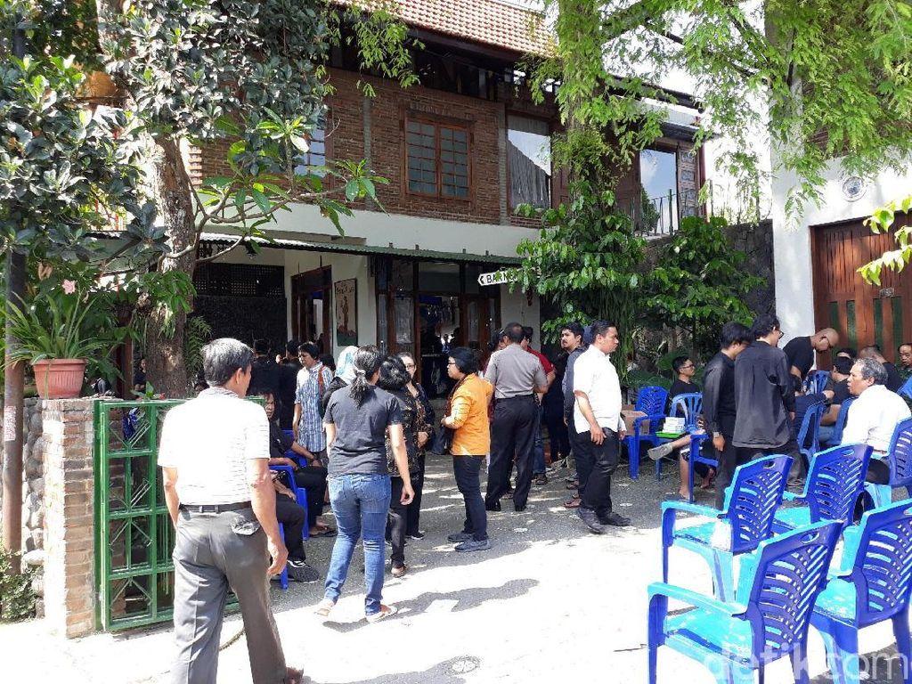 Suasana rumah duka seniman Djaduk Ferianto di Padepokan Seni Bagong Kussudiardja di kawasan Bantul, Yogyakartapada Rabu (13/11).Pradito Rida Pertana/detikHOT