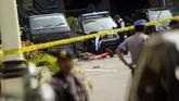 Dari informasi yang dihimpun, pelaku meninggal dunia setelah melakukan aksinya dengan tubuh hancur akibat bom bunuh diri. (Photo by ATAR / AFP)