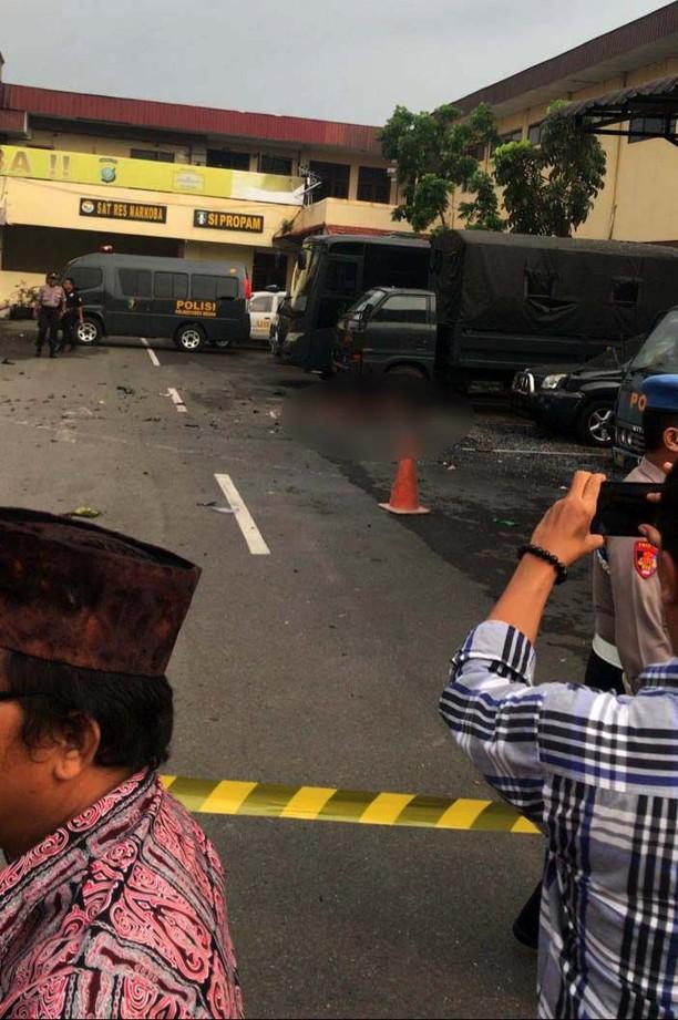 Foto-foto Usai Bom Bunuh Diri di Polrestabes Medan