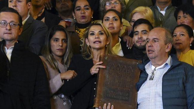 Presiden Sementara Bolivia Minta Kongres Setujui UU Pemilu