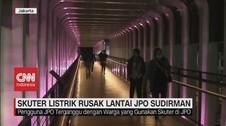 VIDEO: JPO Sudirman Rusak Akibat Pengguna Skuter Listrik