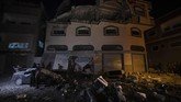 Serangan udara Israel menyerang target Jihad Islam di seluruh Jalur Gaza pada Rabu (13/11).(AP Photo/Khalil Hamra)