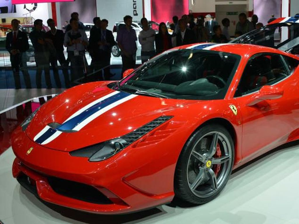Mobil ini pertama kali diperkenalkan dalam pameran Frankfurt Motor Show 2013Foto: Pool (evo.co.uk)