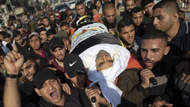 Utusan PBB untuk Timur Tengah, Nickolay Mladenov bergegas ke Kairo untuk menemui mediator Mesir dalam mengatur gencatan senjata antara kedua pihak.(AP Photo/Khalil Hamra)