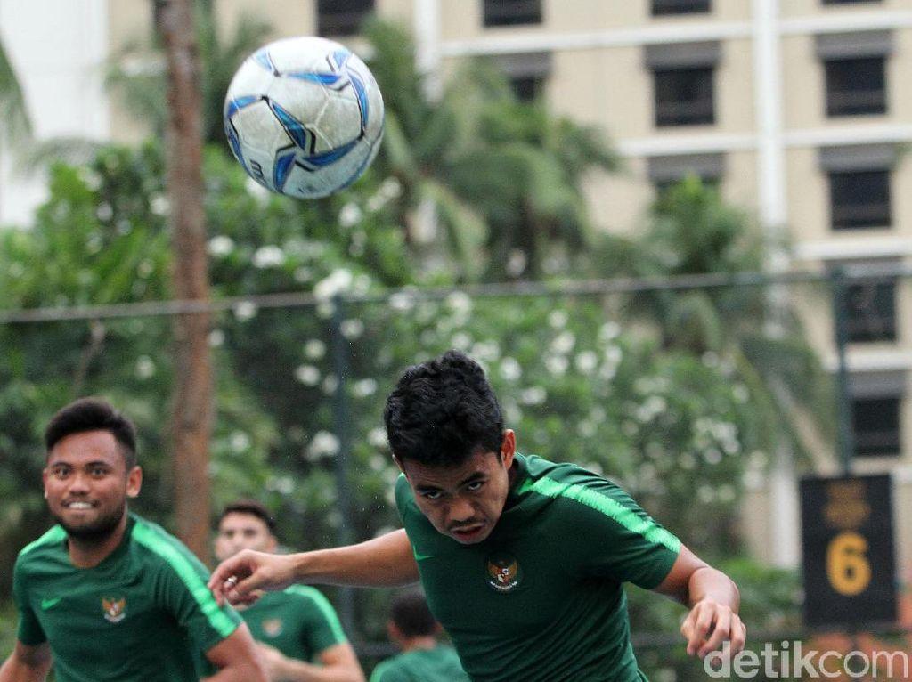 Seperti diketahui timnas U-23 baru menggelar laga uji coba kontra Iran U-23 di Stadion Kapten I Wayan Dipta, Gianyar, Bali, Rabu (13/11).Sehari berselang, Kamis (14/11), Timnas U-23 langsung kembali ke Jakarta.