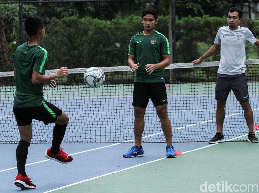 Timnas Indonesia U-23 berlatih ringan guna memulihkan fisik.