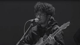 Review Album: Kunto Aji - 'Pilu Membiru Experience'