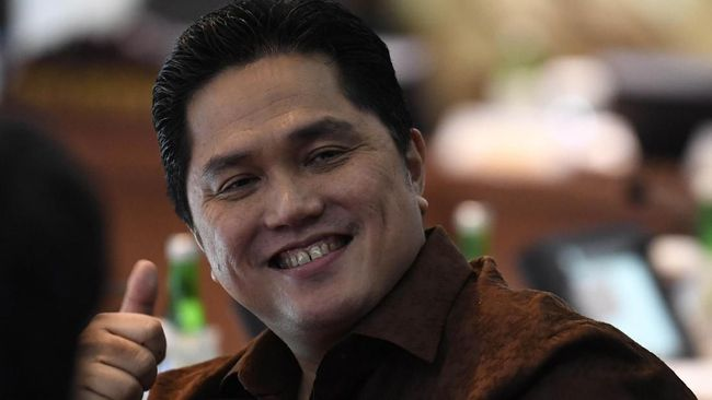 Erick Thohir Bantah Bagi-bagi Jabatan Taruh Yenny di Garuda
