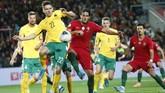 Goncalo Paciencia menyumbang satu gol untuk Portugal di babak kedua. (AP Photo/Armando Franca)