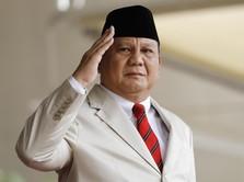 Hormat Prabowo untuk Tenaga Medis yang Berjuang Saat Lebaran