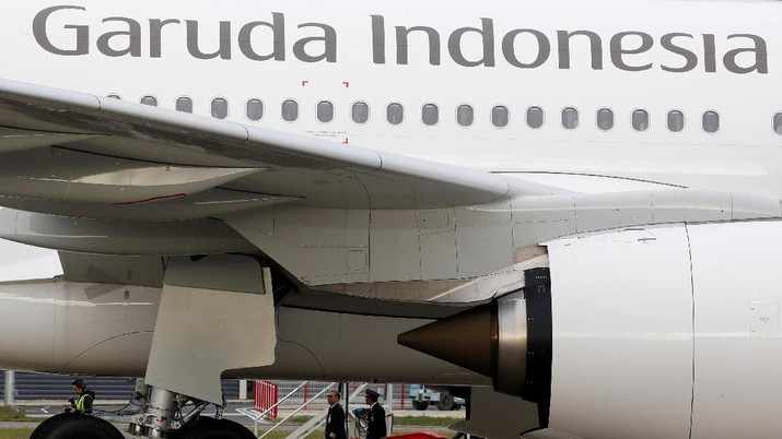 The logo of Garuda Indonesia is pictured on an Airbus A330 aircraft parked at the aircraft builder's headquarters of Airbus in Colomiers near Toulouse, France, November 15, 2019. REUTERS/Regis Duvignau