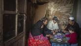 Di tanah gersang Pegunungan Atlas, safron menjadi mata pencaharian utama bahkan satu-satunya bagi para penduduk desa. (AP Photo/Mosa'ab Elshamy)