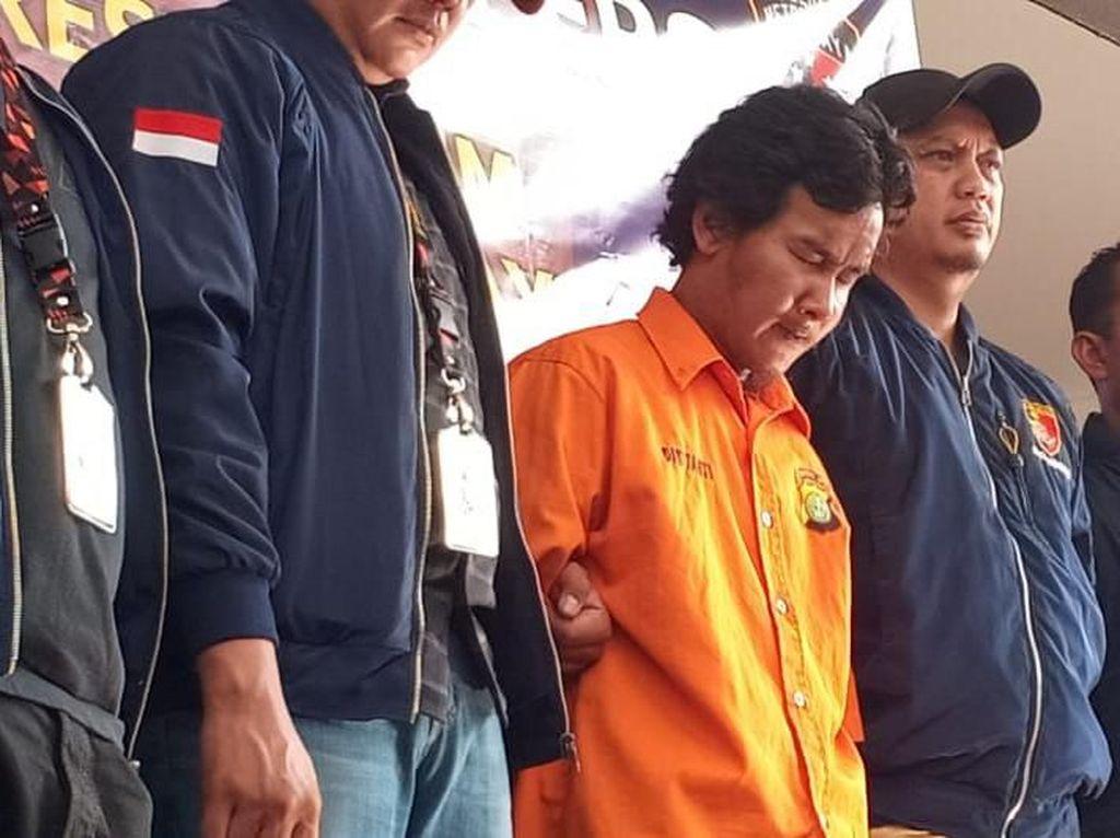 Foto: Penyiraman air keras itu sudah tiga kali terjadi yakni satu kali di Kebon Jeruk dan dua kali di Kembangan. Polisi menyebut dialah pelaku dari 3 TKP itu. (Samsuduha Wildansyah/detikcom)