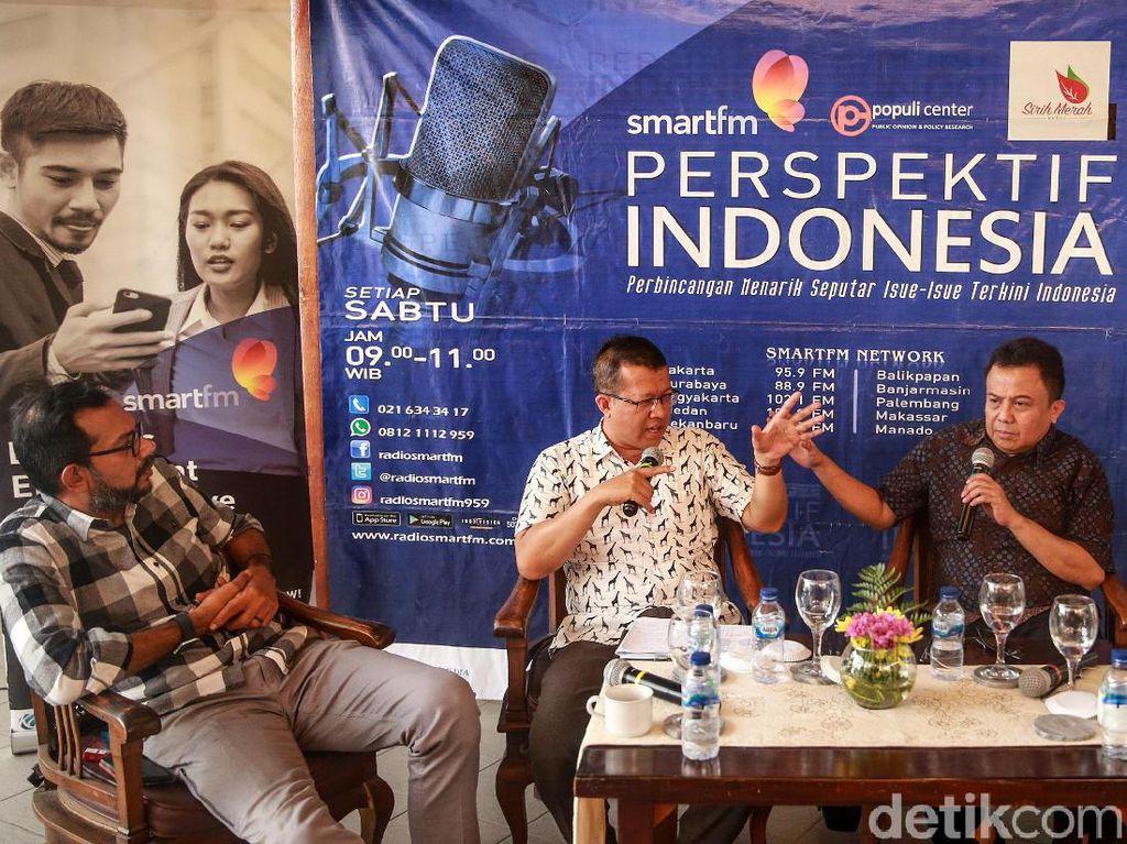 Para pembicara memaparkan pendapatnya pada diskusi Mengapa Teror Pada Polisi Terjadi Lagi? di Jakarta, Sabtu (16/11/2019).