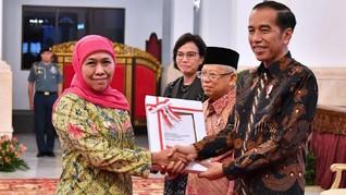 Jokowi Amanatkan Dana Rp79,3 T ke Gubernur Khofifah