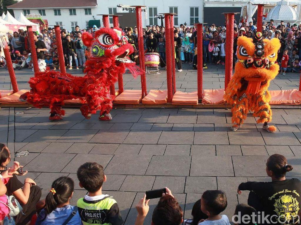 Acara ini digelar oleh Dinas Pariwisata dan Kebudayaan DKI Jakarta.