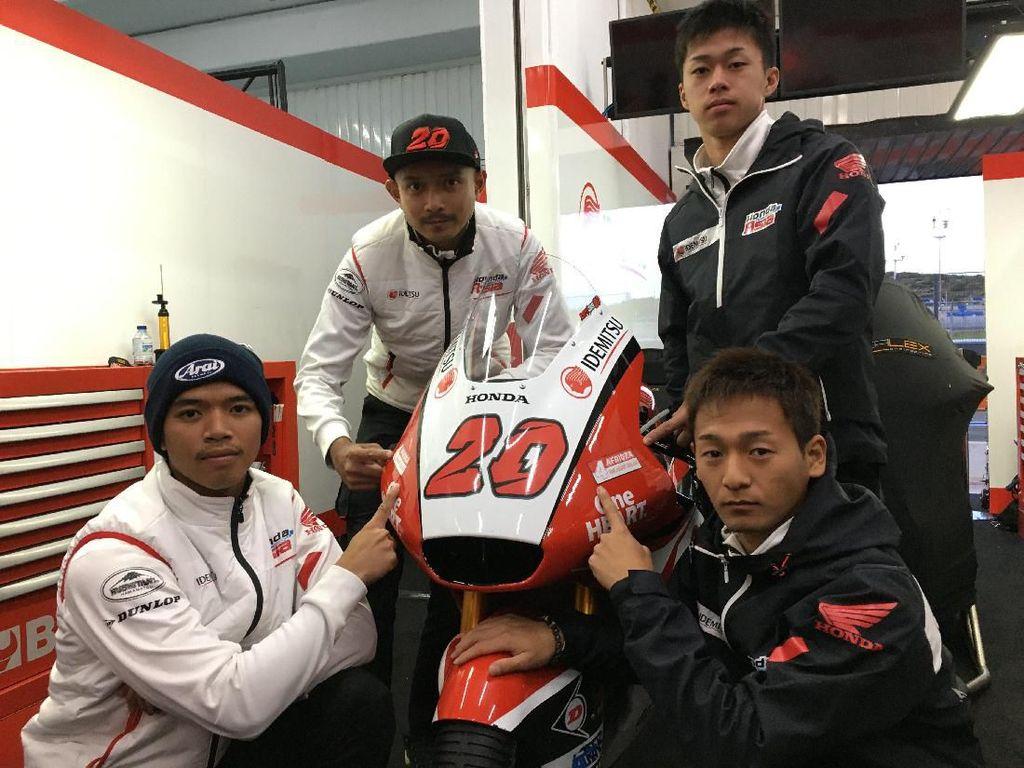 Pun demikian dengan pebalap asli Indonesia yang mengikuti ajang balap Moto2, Dimas Ekky Pratama.Foto: Twitter
