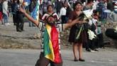Kerusuhan terus berlangsung di Bolivia, meski Presiden Evo Morales telah mengundurkan diri pada akhir pekan lalu. Ia mundur dari kursi kepresidenan setelah Bolivia diguncang unjuk rasa selama sebulan terakhir terakhir. (AP Photo/Juan Karita)