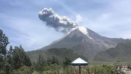 Merapi dan 11 Gunung Api Berstatus Waspada-Siaga di Februari