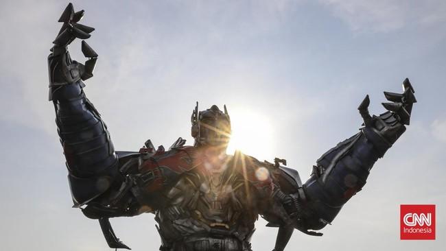Berbagai karakter muncul dalam parade ini, tak hanya tokoh-tokoh anime Jepang. Thanos, Spider-Man, Deadpool juga ikut hadir. (CNN Indonesia/Bisma Septalisma)