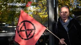 Aktivis Lingkungan Memblokade Terminal Jet Pribadi di Jenewa