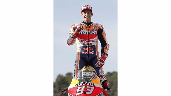 Marc Marquez tidak hanya merebut gelar juara dunia pebalap MotoGP 2019, tapi juga sukses membawa Honda merebut gelar konstruktor dan Repsol Honda meraih gelar tim terbaik di MotoGP 2019. (AP Photo/Alberto Saiz)