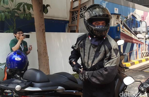 Chandra Hamzah Naik Moge ke Kantor Erick Thohir