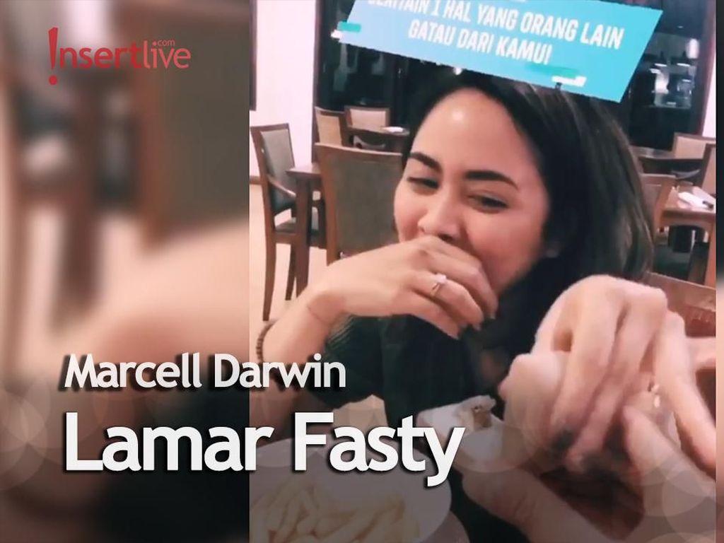 Pake Cara Kekinian, Marcell Darwin Lamar Selebgram Fasty Nabila