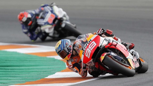 Pada awal balapan MotoGP Valencia, Jorge Lorenzo bahkan sempat melorot ke urutan ke-19.(AP Photo/Alberto Saiz)