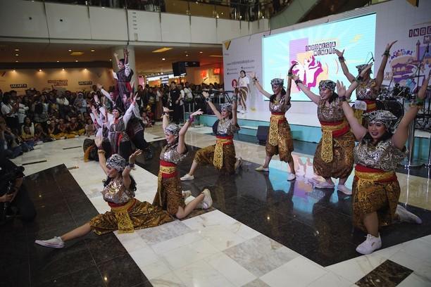 Potret Kemeriahan Indonesia Menari 2019