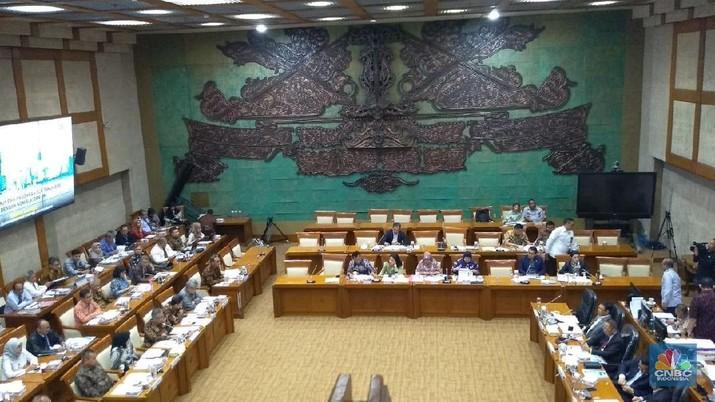 Selamatkan AJB Bumiputera, DPR: Harus De-mutual