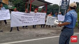 Tolak Jasad Pelaku Bom Medan, Massa Gelar Aksi di TPU