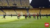 Para pemain Timnas Indonesia menjalani latihan jelang melawan Malaysia. Indonesia belum pernah merasakan kemenangan pada Kualifikasi Piala Dunia 2022. (CNN Indonesia/Nova Arifianto)