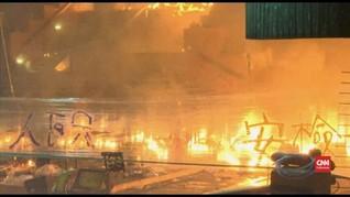 VIDEO: Gerbang Kampus dan Truk Dibakar Demonstran Hong Kong