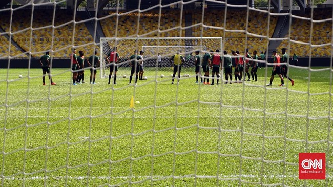 Sesi latihan terakhir Timnas Indonesia jelang menghadapi Malaysia. Pada pertemuan pertama di Jakarta, 5 September 2019, Indonesia dikalahkan Malaysia 2-3. (CNN Indonesia/Nova Arifianto)